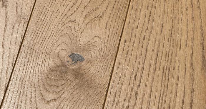 Elegant Cinnamon Oak Brushed & Oiled Solid Wood Flooring - Descriptive 2