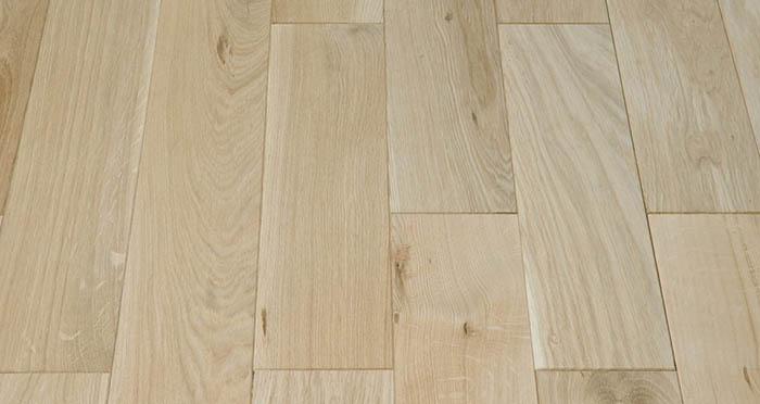 Unfinished Oak 130mm Wide Solid Wood Flooring - Descriptive 1