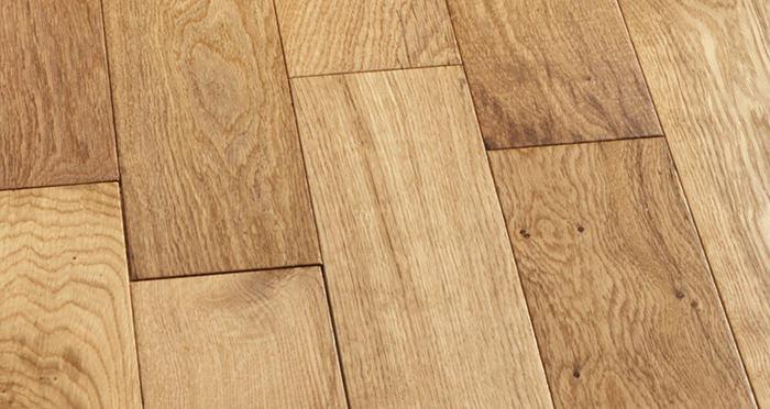Studio Natural Oak Lacquered Engineered Wood Flooring - Descriptive 5