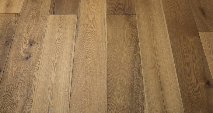 Barn Golden Smoked Oak Brushed & Lacquered Engineered Wood Flooring - Descriptive 5
