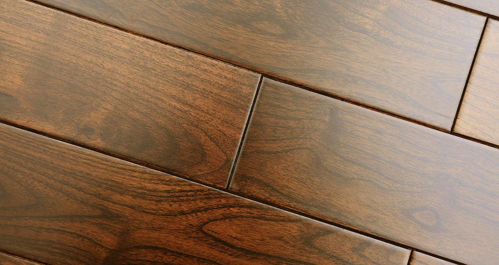 Pacific Mahogany Burgundy Lacquered Solid Wood Flooring - Descriptive 5