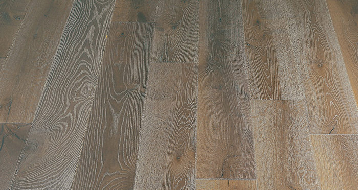 Loiret Chalet Oak Brushed & Oiled Engineered Wood Flooring - Descriptive 4