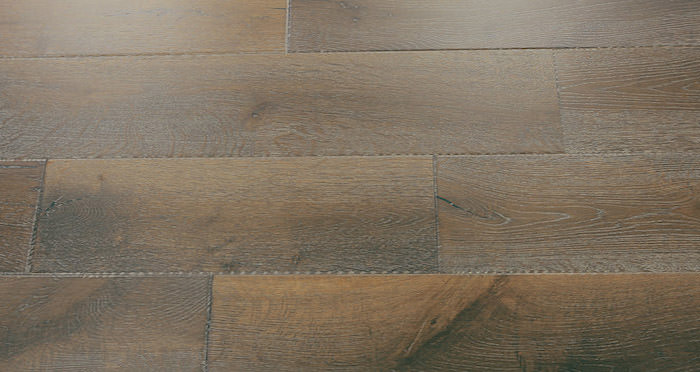 Loiret Chalet Oak Brushed & Oiled Engineered Wood Flooring - Descriptive 5