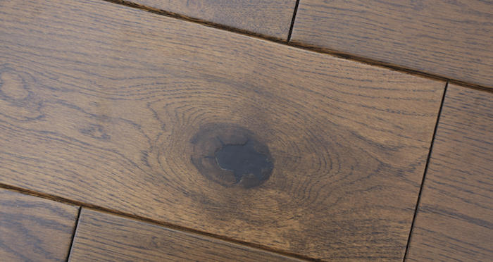 Golden Honey Oak Lacquered Solid Wood Flooring - Descriptive 2