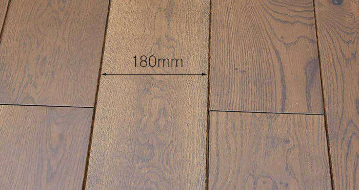 Golden Honey Oak Lacquered Solid Wood Flooring - Descriptive 3