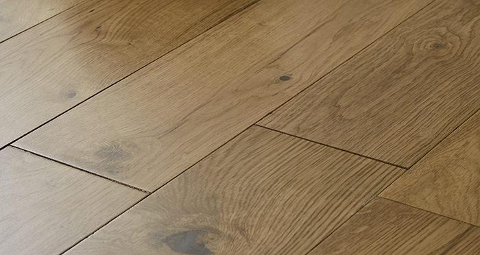 Loft Natural Oak Lacquered Engineered Wood Flooring - Descriptive 1