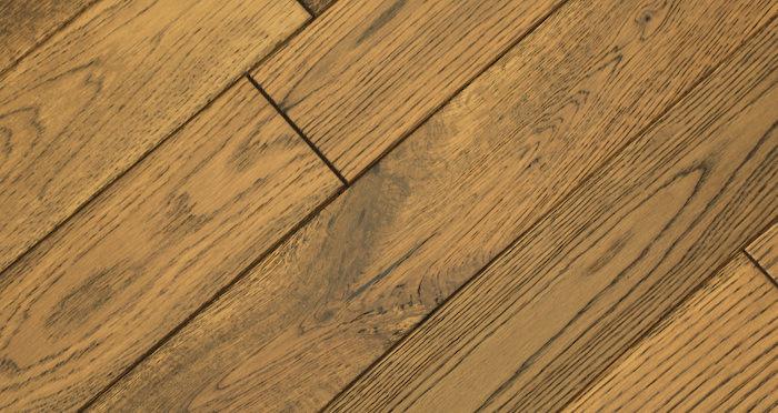 Muscovado Oak Brushed & Lacquered Solid Wood Flooring - Descriptive 4
