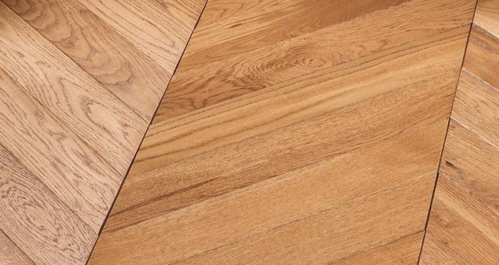 Park Avenue Chevron Cinnamon Oak Brushed & Oiled Solid Wood Flooring - Descriptive 5