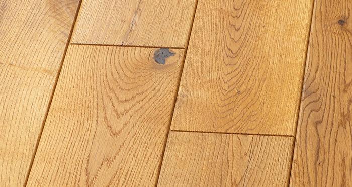 Manor Antique Golden Oak Brushed & Oiled Engineered Wood Flooring - Descriptive 4