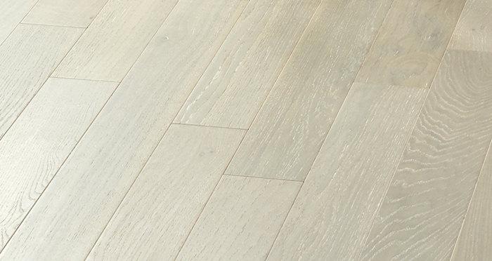 Salcombe Grey Boardwalk Oak Engineered Wood Flooring - Descriptive 3