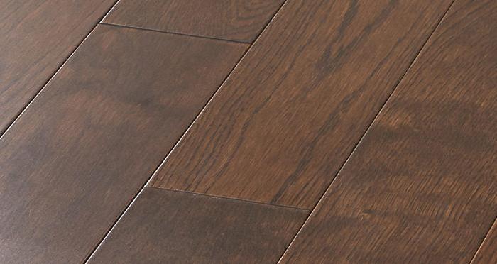 Studio Chocolate Oak Lacquered Engineered Wood Flooring - Descriptive 4
