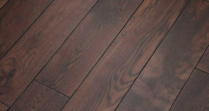 Brown Bear Oak Lacquered Solid Wood Flooring - Descriptive 5