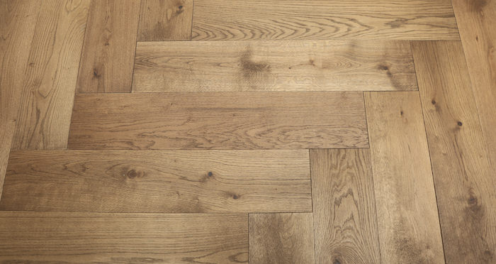 Prestige Herringbone Georgian Oak Oiled Engineered Wood Flooring - Descriptive 6