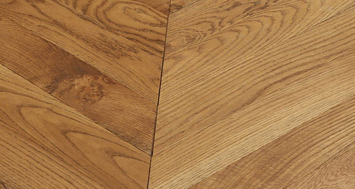 Park Avenue Chevron Golden Oak Brushed & Oiled Solid Wood Flooring - Descriptive 4