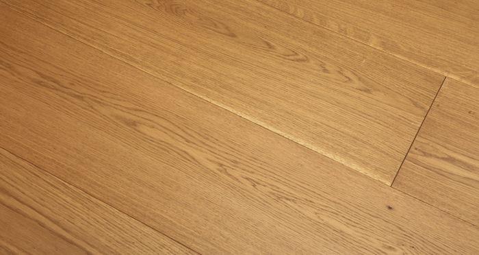Supreme Golden Oak Brushed & Oiled Engineered Wood Flooring - Descriptive 2