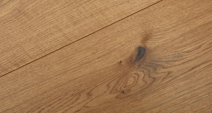 Supreme Golden Oak Brushed & Oiled Engineered Wood Flooring - Descriptive 3