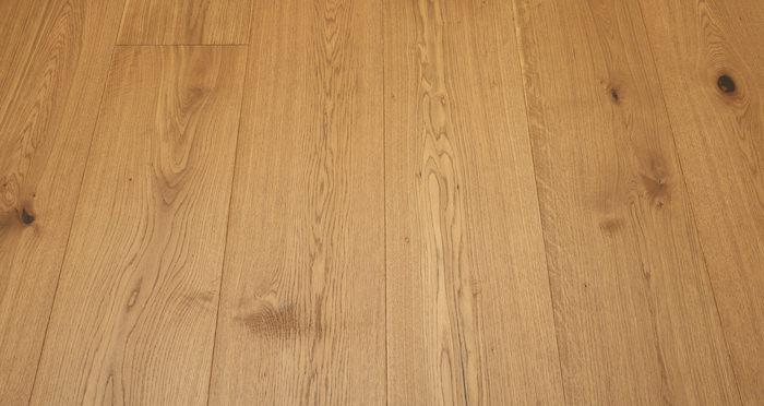 Supreme Golden Oak Brushed & Oiled Engineered Wood Flooring - Descriptive 5