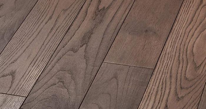 Luxury Chocolate Oak Solid Wood Flooring - Descriptive 4