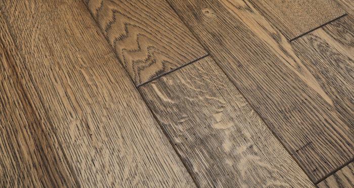Aged & Rustic Brown Oak Brushed & Oiled Solid Wood Flooring - Descriptive 1