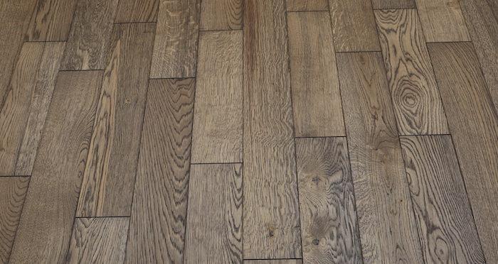 Aged & Rustic Brown Oak Brushed & Oiled Solid Wood Flooring - Descriptive 2