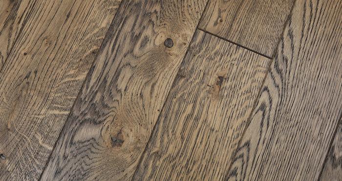 Aged & Rustic Brown Oak Brushed & Oiled Solid Wood Flooring - Descriptive 3