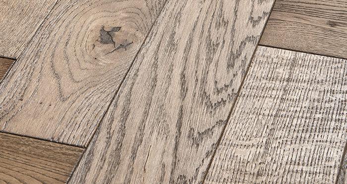 Luxury Parquet Brown Oiled Oak Solid Wood Flooring - Descriptive 1