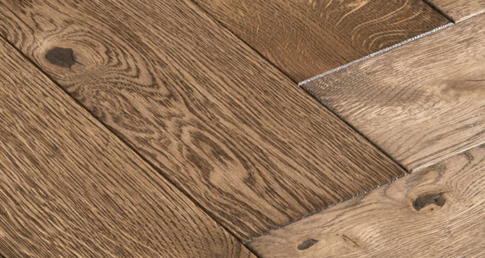 Luxury Parquet Brown Oiled Oak Solid Wood Flooring - Descriptive 3