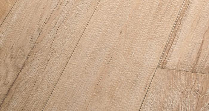 Old Sandstone Oak Engineered Wood Flooring - Descriptive 2