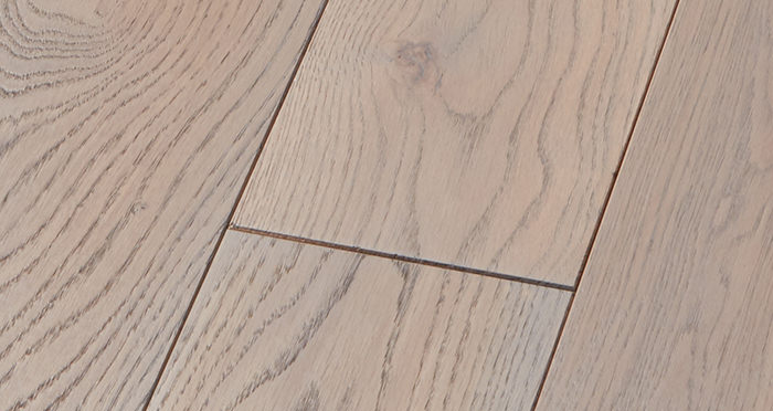 Deluxe Silk Grey Oak Solid Wood Flooring - Descriptive 4