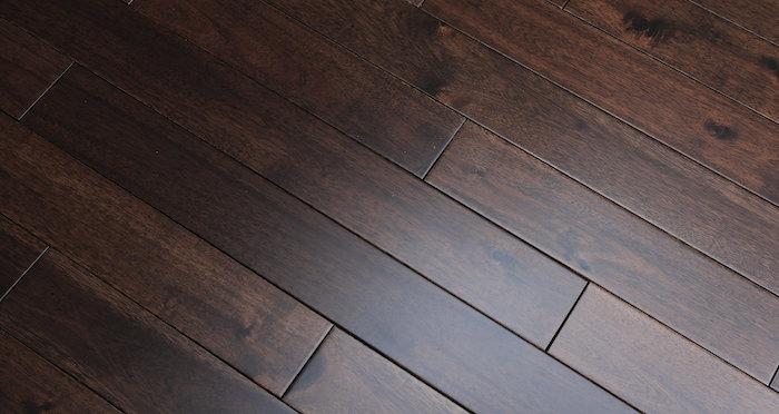 Antique Acacia Lacquered Solid Wood Flooring - Descriptive 2