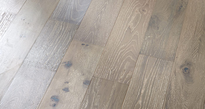 Loft Pearl Grey Oak Brushed & UV Lacquered Engineered Wood Flooring - Descriptive 5