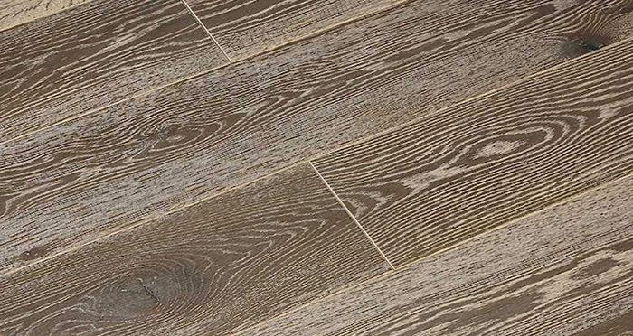 Whitewashed Luxury Platinum Oak Engineered Wood Flooring - Descriptive 4