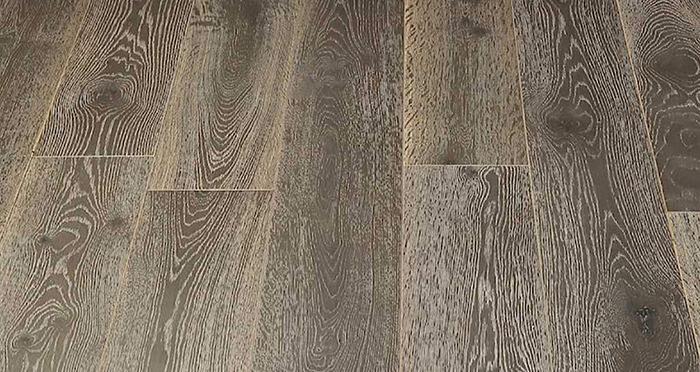 Whitewashed Luxury Platinum Oak Engineered Wood Flooring - Descriptive 5