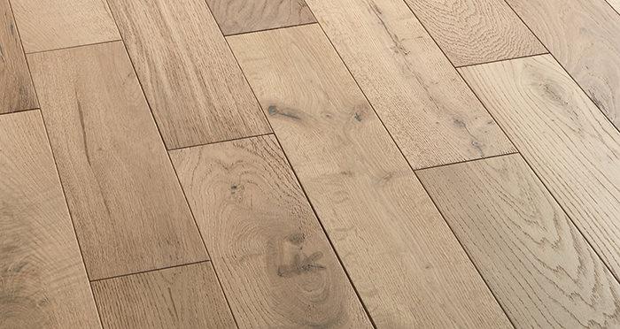 Studio Vanilla Oak Brushed & Oiled Engineered Wood Flooring - Descriptive 2