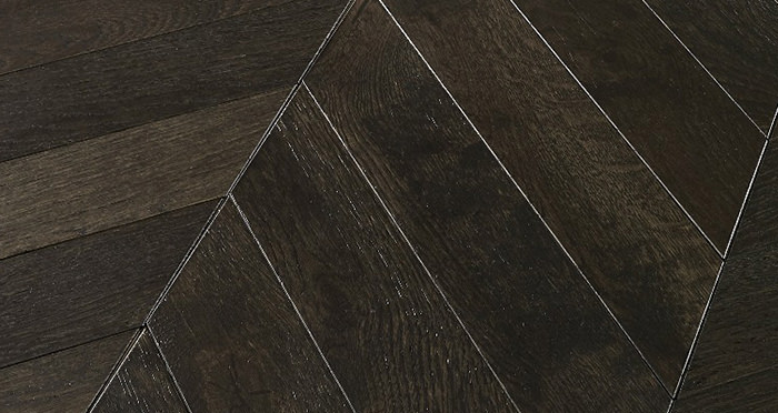 Cambridge Chevron Vintage Oak Brushed & Lacquered Engineered Wood Flooring - Descriptive 3