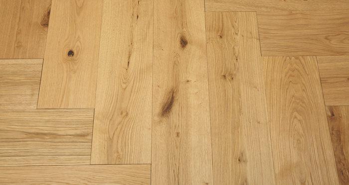 Prestige Herringbone Natural Oak Oiled Engineered Wood Flooring - Descriptive 4