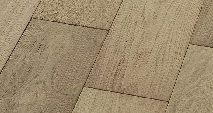 Loft Vanilla Oak Brushed & Oiled Engineered Wood Flooring - Descriptive 5