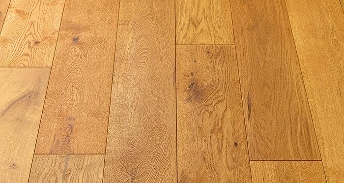 Old Country Antique Golden Oak Brushed & Oiled Engineered Wood Flooring - Descriptive 5