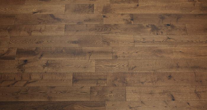Studio Honey Oak Lacquered Engineered Wood Flooring - Descriptive 3