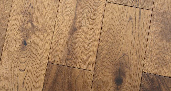 Studio Honey Oak Lacquered Engineered Wood Flooring - Descriptive 6