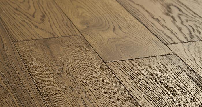 Loft Deep Golden Oak Brushed & Oiled Engineered Wood Flooring - Descriptive 1