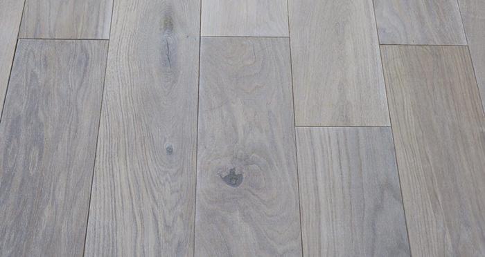 Luxury Frosted Oak Solid Wood Flooring - Descriptive 2
