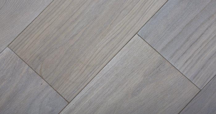 Luxury Frosted Oak Solid Wood Flooring - Descriptive 4