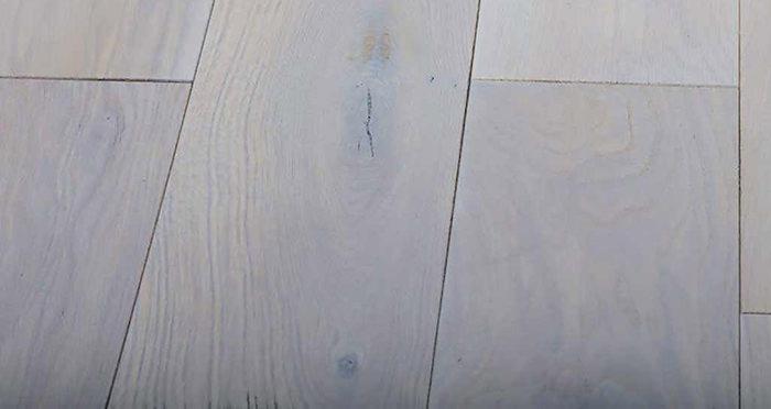 Luxury Frosted Oak Solid Wood Flooring - Descriptive 5