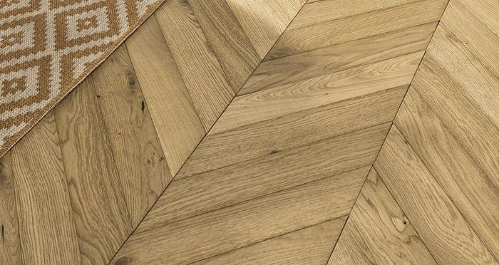 Cambridge Chevron Natural Oak Brushed & Oiled Engineered Wood Flooring - Descriptive 4