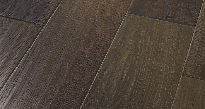 Manhattan Cellar Oak Brushed & Lacquered Engineered Wood Flooring - Descriptive 1