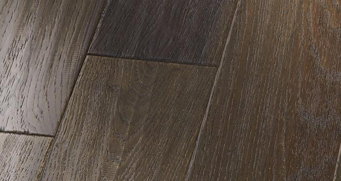Manhattan Cellar Oak Brushed & Lacquered Engineered Wood Flooring - Descriptive 2