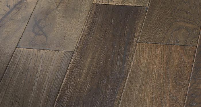 Manhattan Cellar Oak Brushed & Lacquered Engineered Wood Flooring - Descriptive 3