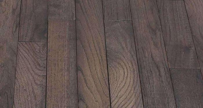 Classic Oak Espresso Brushed & Oiled Solid Wood Flooring - Descriptive 2